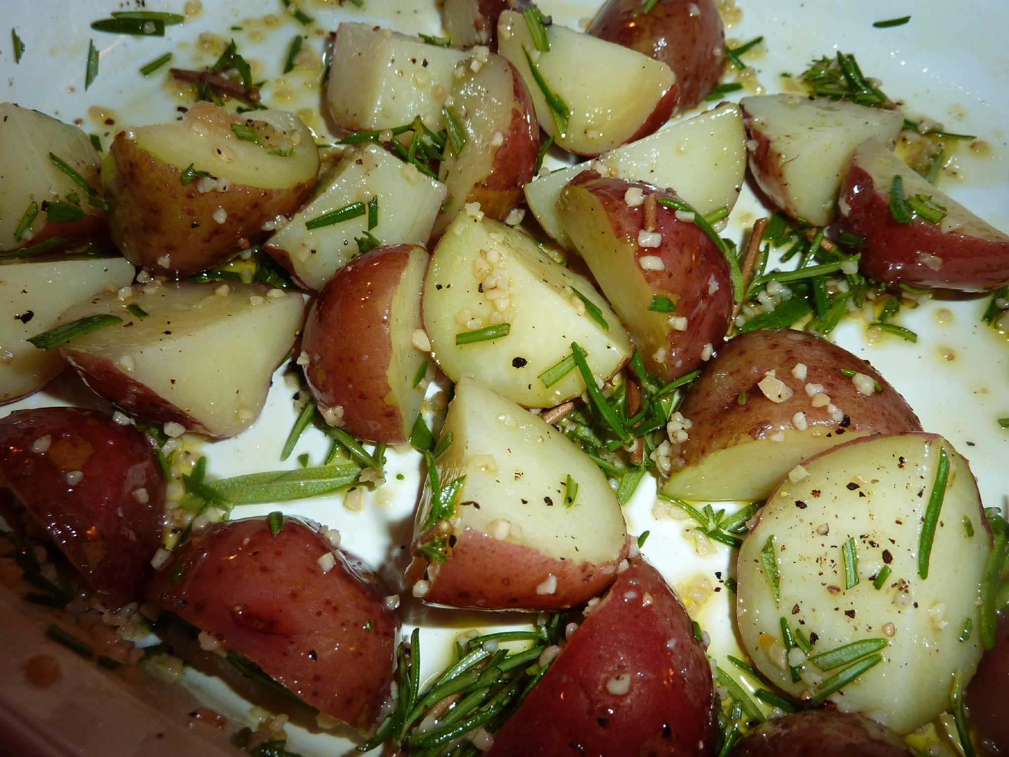 "Roasted Red Potatoes with Garlic and Rosemary | ""Deja Vu"" Cook"