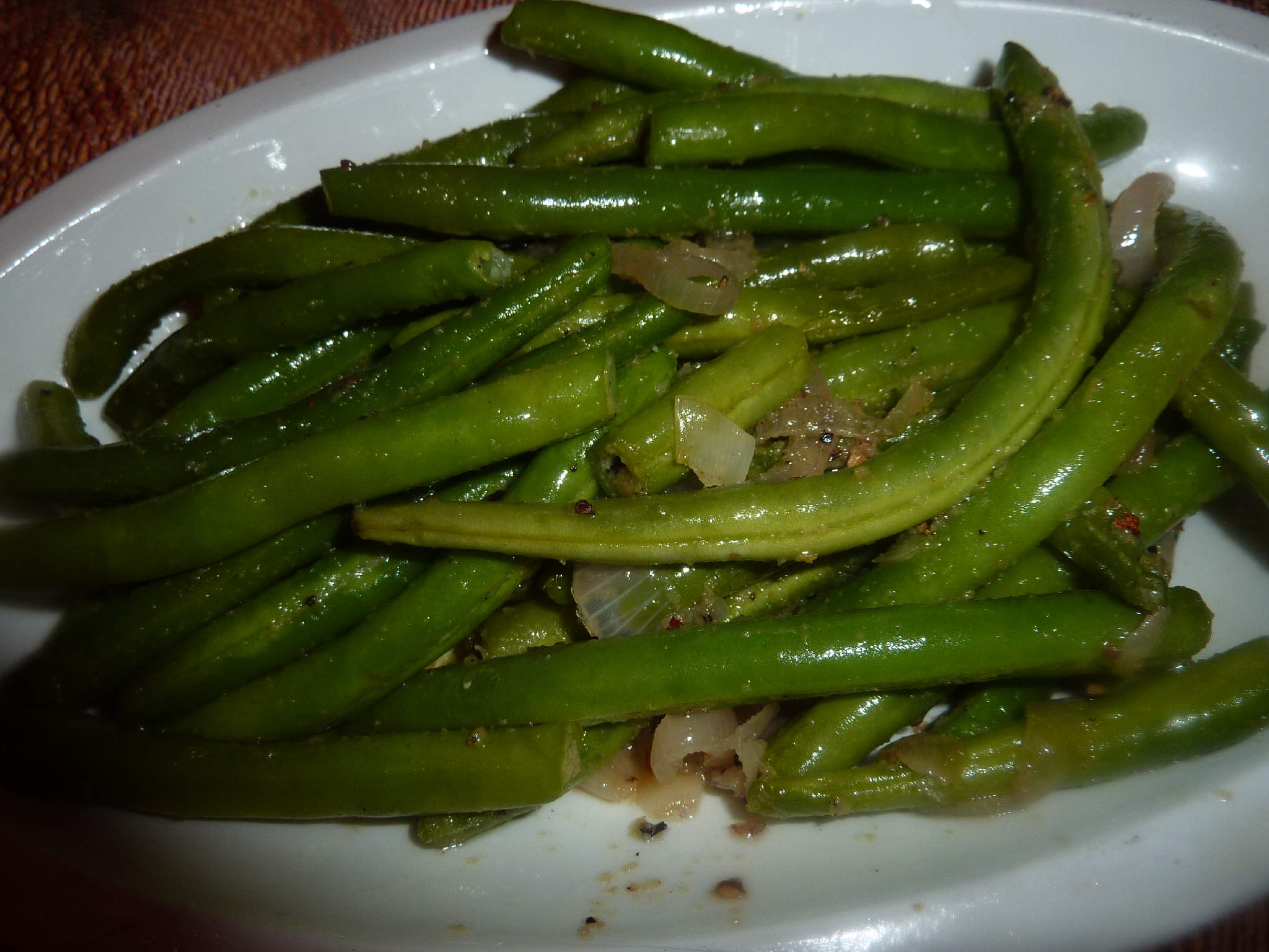 how to cook green beans with bacon and garlic